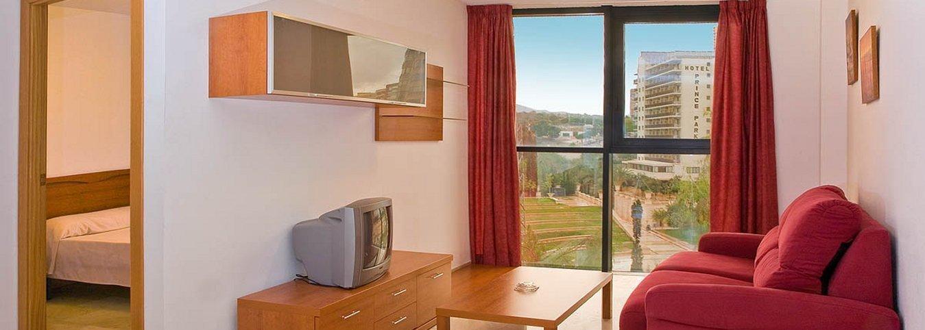 Salón independiente con vistas al parque de L'Aiguera - Appartements Magic Atrium Plaza